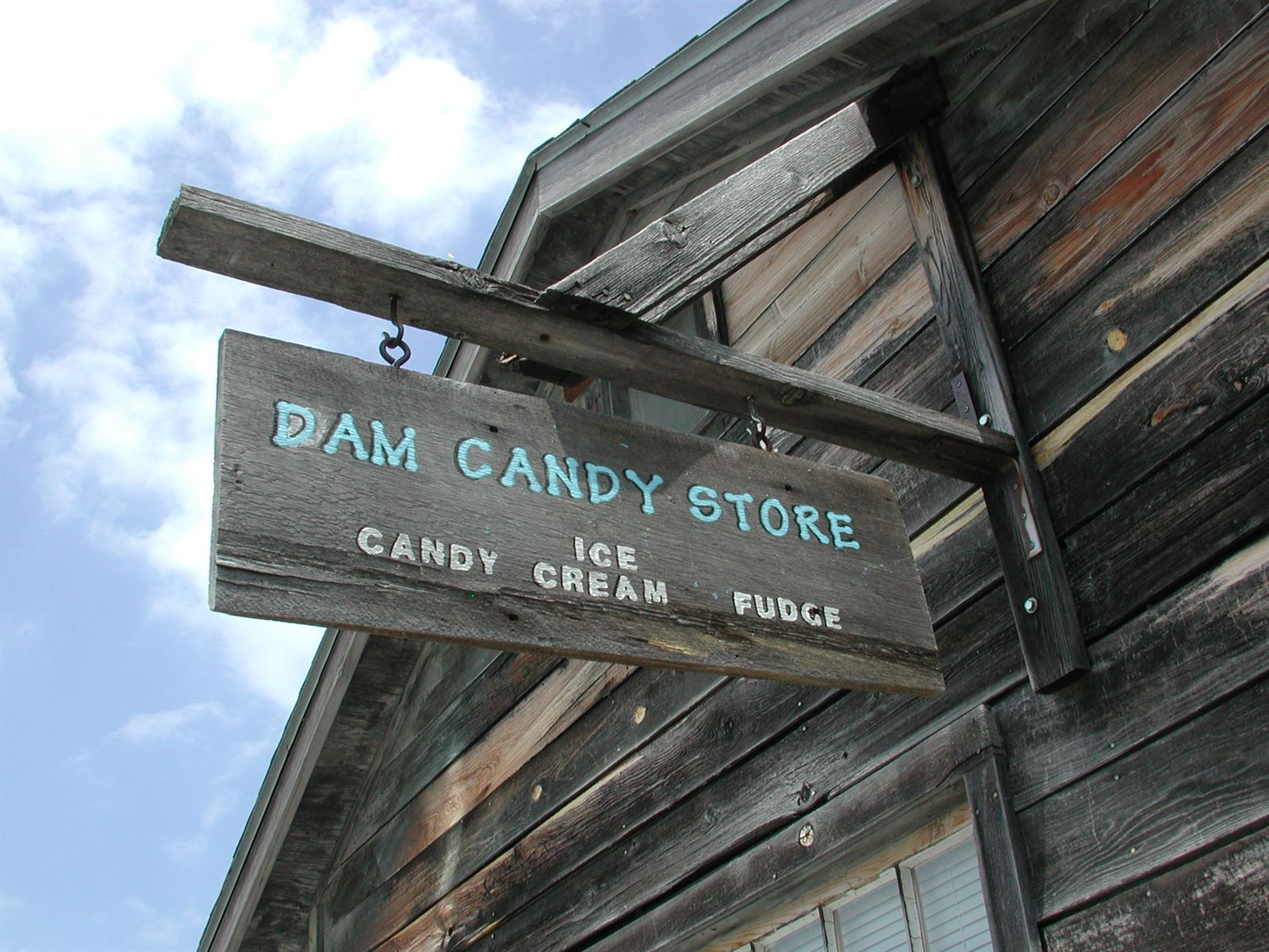 Dam Candy Store In Leland